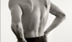 Ryggövningar för spända muskler och stela leder.